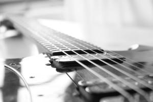 ניר בכר - מורה לגיטרה וסאונד